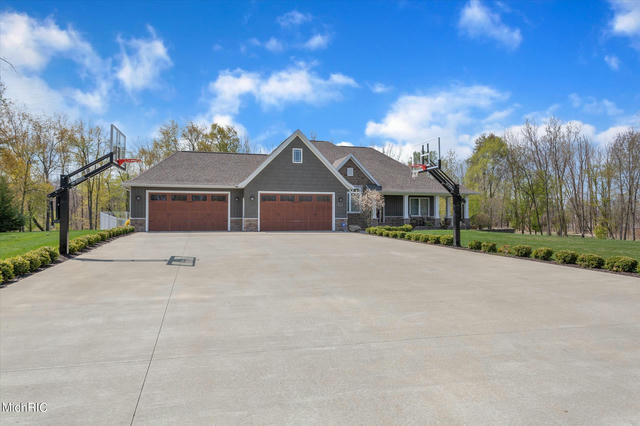 668 Woodchuck Dr Coldwater, MI 49036