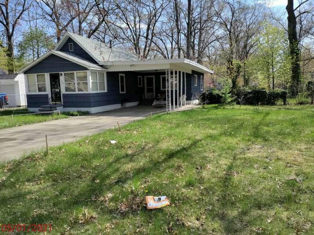 3108 6th St Muskegon Heights, MI 49444
