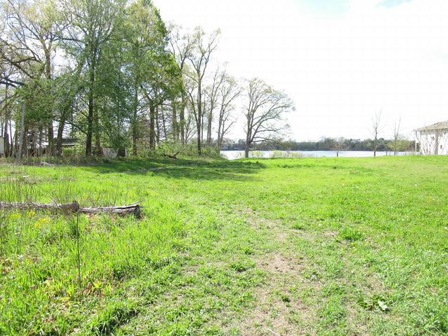 N Matteson Lake Rd Bronson, MI 49028