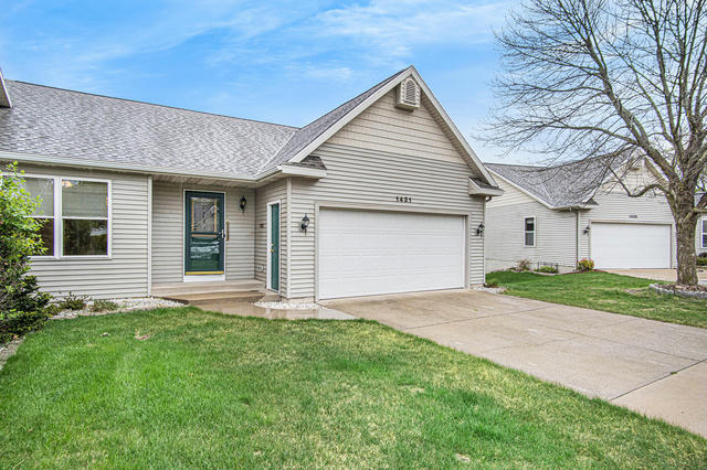 1431 Woodlawn Commons  Grand Haven, MI 49417