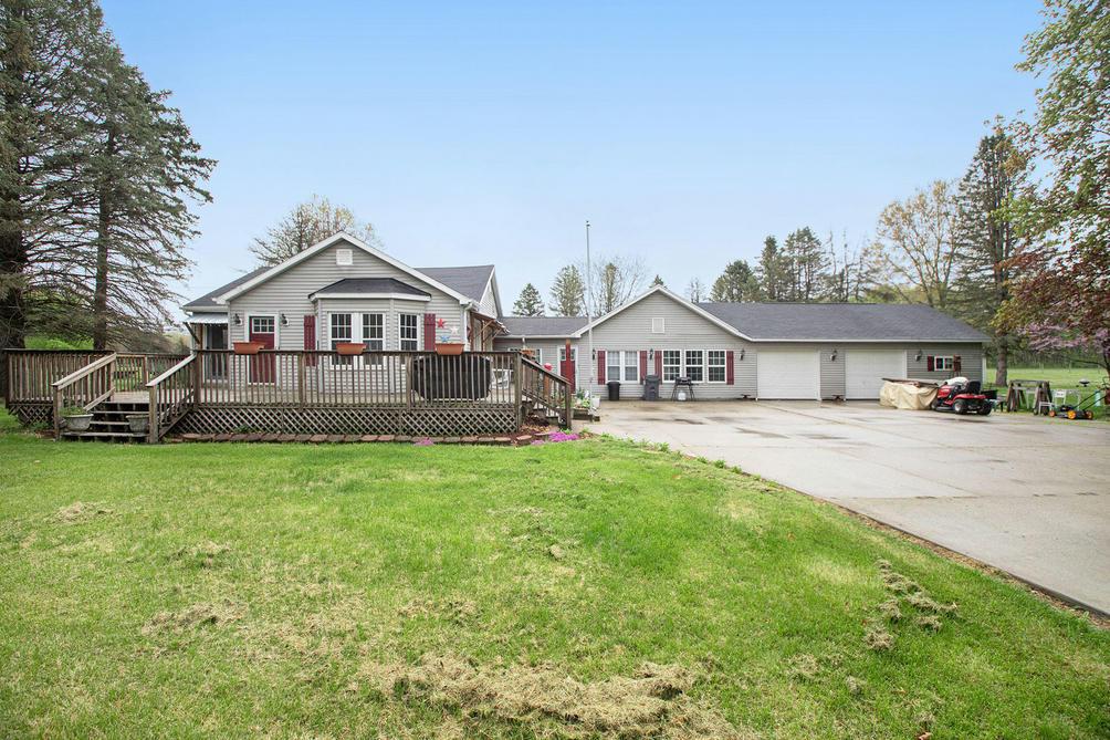 3453 Riverside Rd Benton Harbor, MI 49022