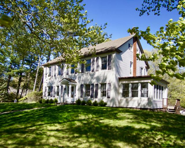 824 Lake Ave Grand Haven, MI 49417