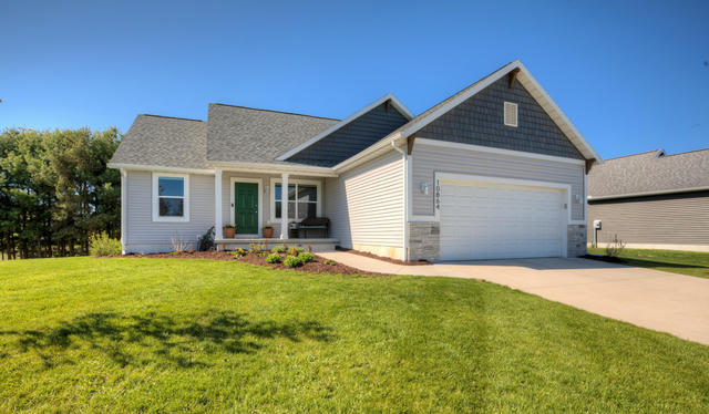 10864 Pine Bow Ct Ct West Olive, MI 49460