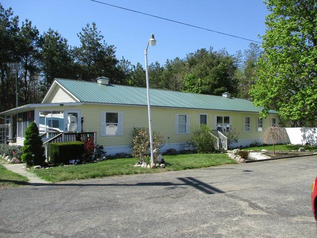 25 S Greenville Rd Greenville, MI 48838