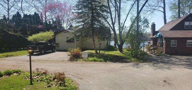 9080 Jarvis Lake Rd Eau Claire, MI 49111