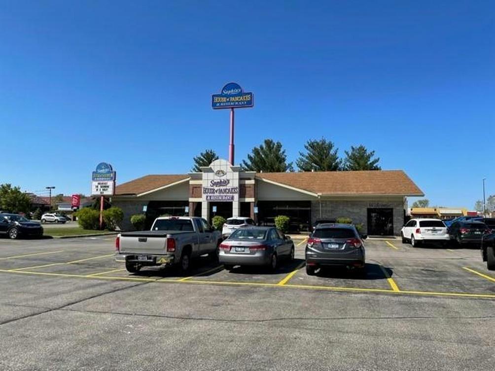 1647 Mall Dr Benton Harbor, MI 49022