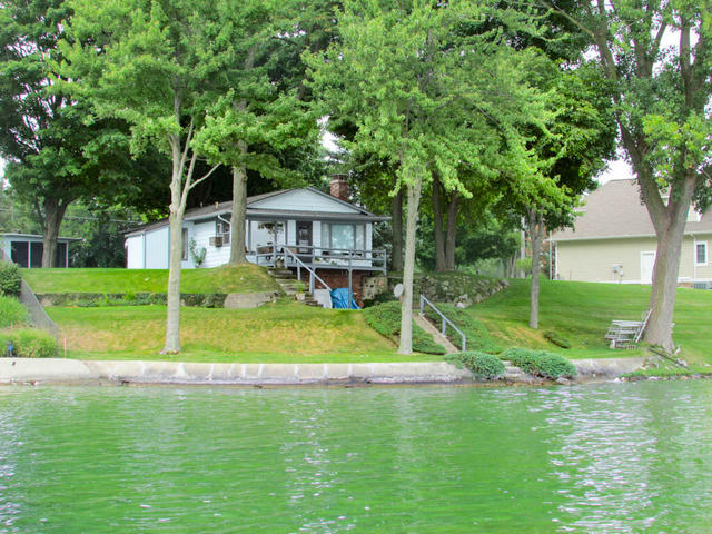 635 Pearl Beach Dr Coldwater, MI 49036