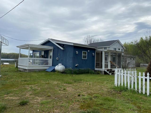 7392 E Lakeview St Walkerville, MI 49459