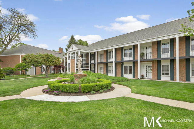 2311 Wealthy 27 Se St East Grand Rapids, MI 49506