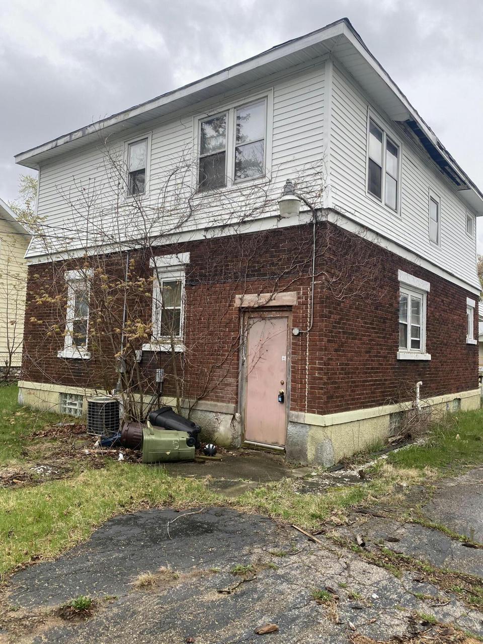 108 Greenwood Ave Battle Creek, MI 49037