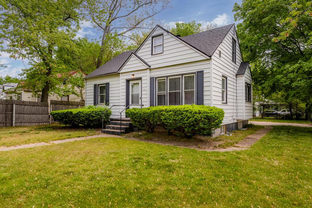 1495 Agard Ave Benton Harbor, MI 49022