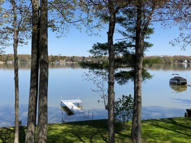 1087 Hess Lake Dr Grant, MI 49327