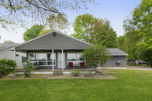 10847 Second St Canadian Lakes, MI 49346