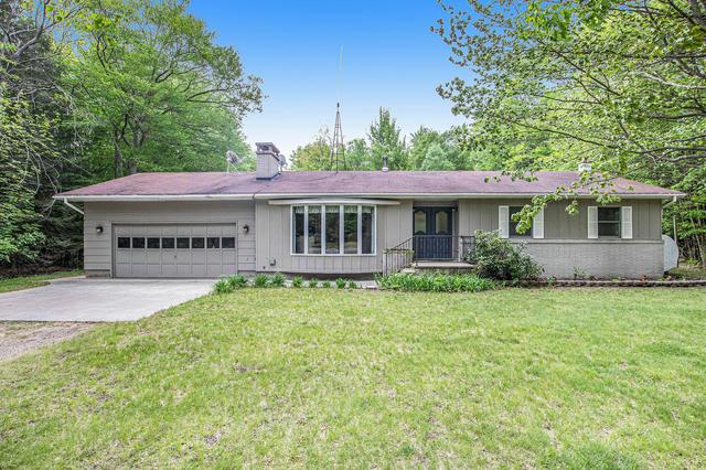 8425 W Stony Lake Rd New Era, MI 49446