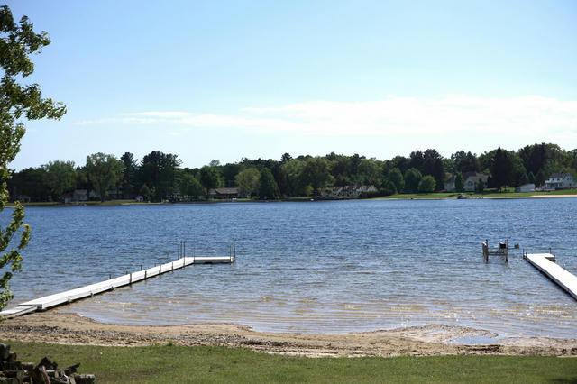 2993 Lakeshore Rd Twin Lake, MI 49457