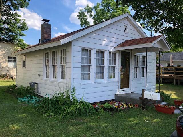105 W St Marys St Decatur, MI 49045