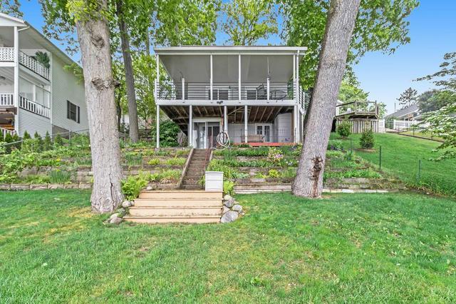 14821 N Barton Lake Dr Vicksburg, MI 49097