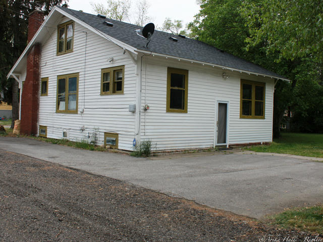 125 Parker Ave Benton Harbor, MI 49022