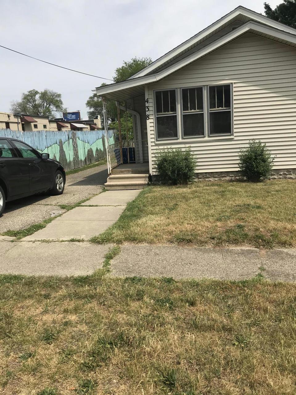 438 Parker Ave Kalamazoo, MI 49001