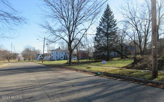 91 W Fountain St Battle Creek, MI 49037