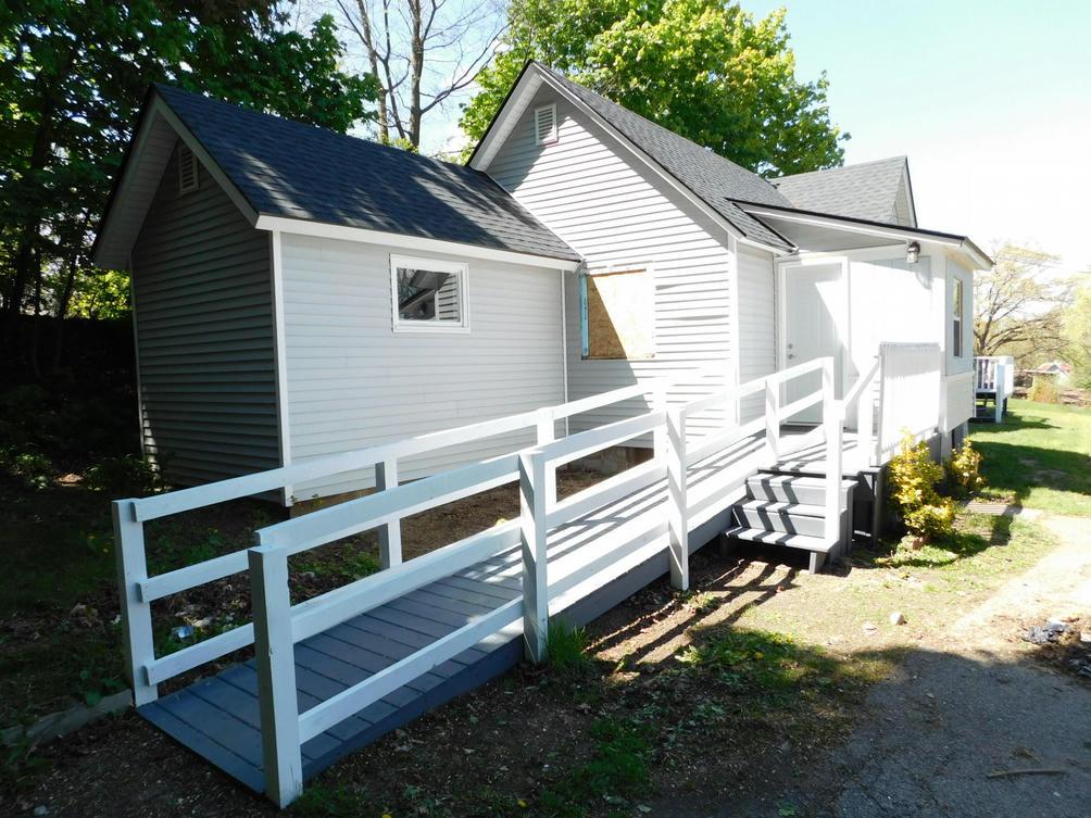 155 W Burnham St Battle Creek, MI 49015