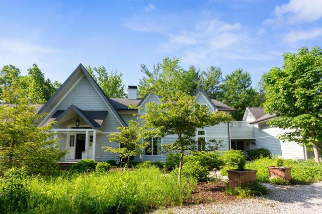 8926 W Warren Woods Rd Lakeside, MI 49116