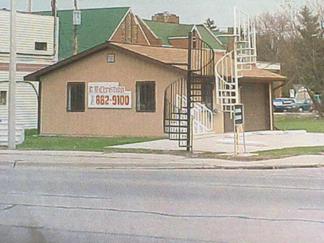 3523 S Cedar St Lansing, MI 48910