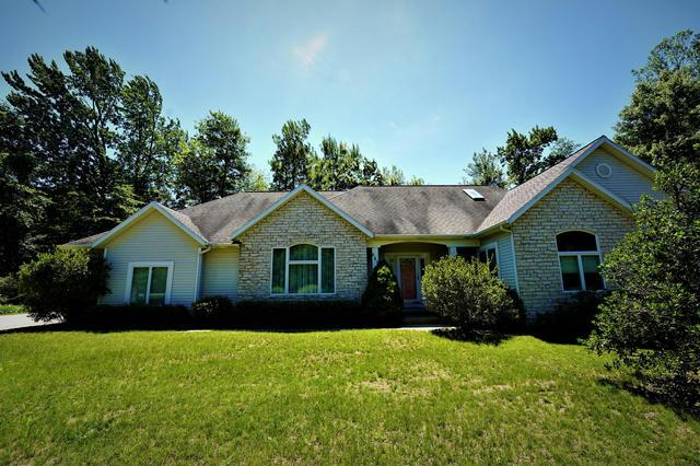 643 Ranch Dr Norton Shores, MI 49441