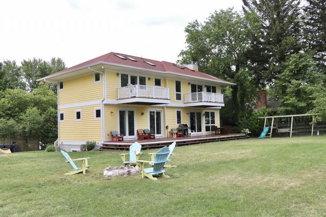 2990 Lakeshore Ave Benton Harbor, MI 49022