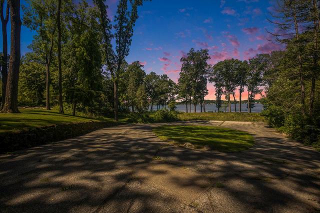 4872 E Gull Lake Dr Hickory Corners, MI 49060