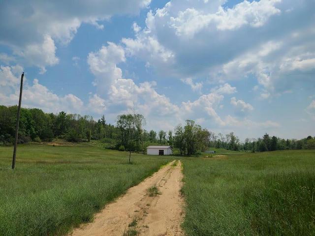 8416 E 1 Mile Rd White Cloud, MI 49349