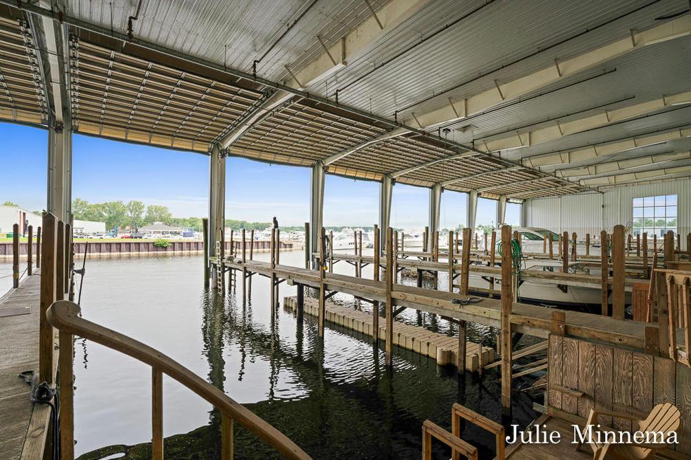 400 Pine 7 St Spring Lake, MI 49456
