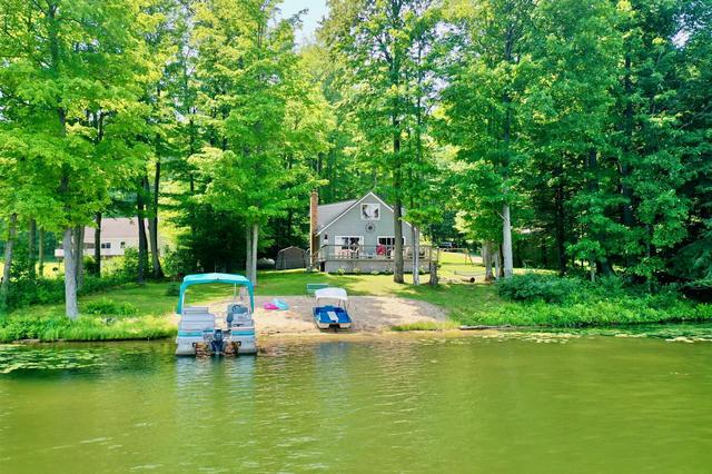 869 Negaunee Lake Dr Evart, MI 49631