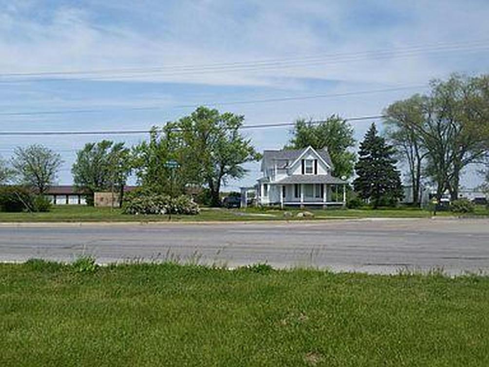 1055 Nickerson Ct Benton Harbor, MI 49022