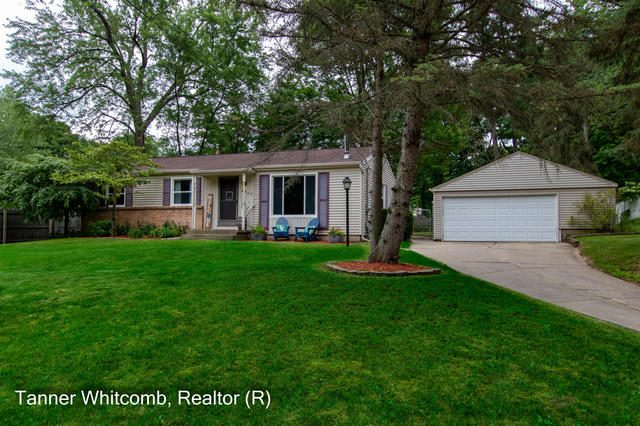 4929 Kittery Nw Dr Comstock Park, MI 49321