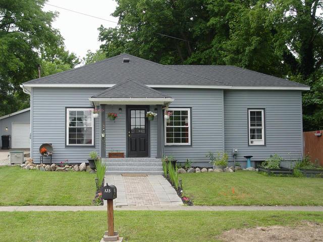135 W First St Vermontville, MI 49096