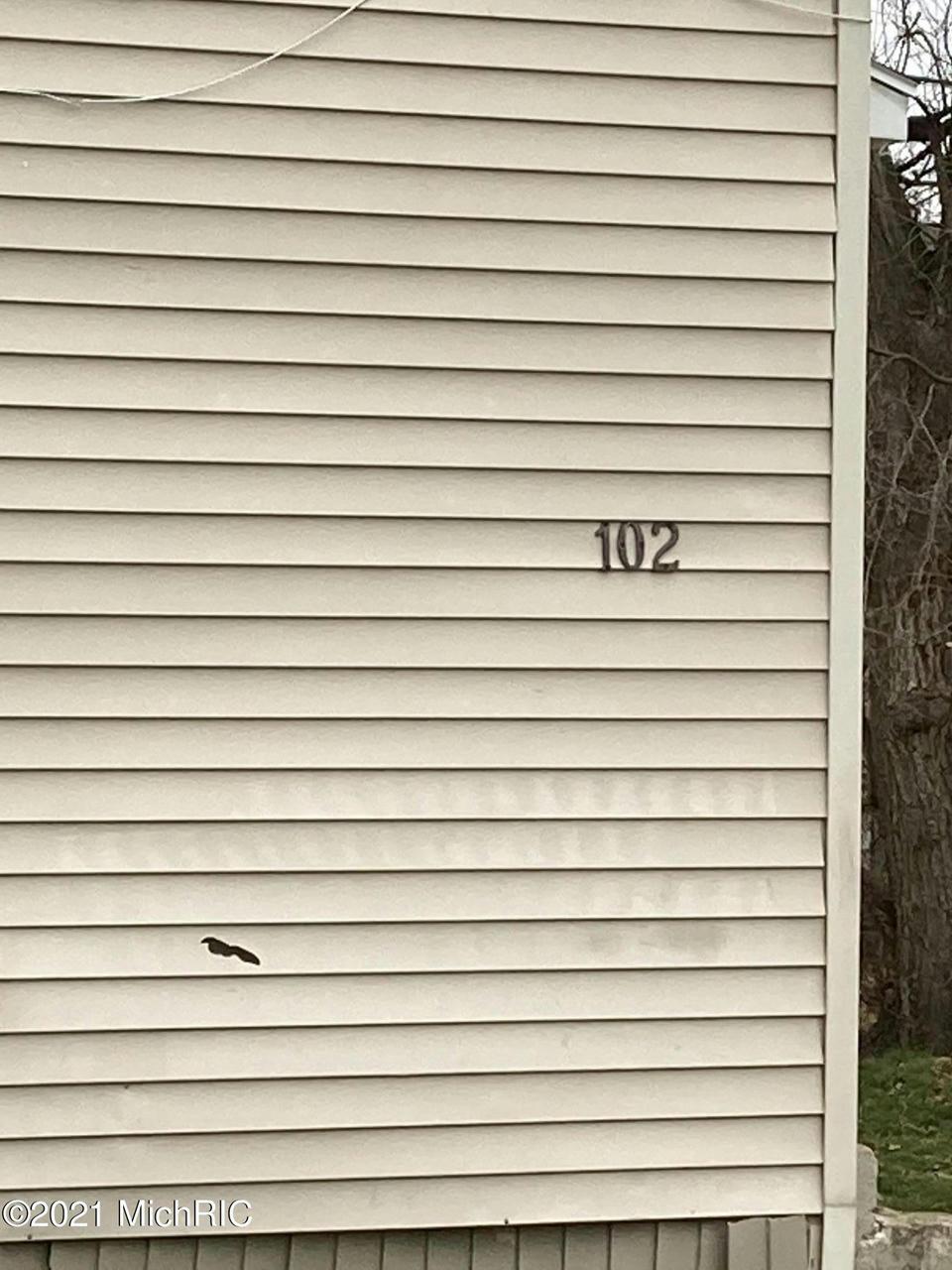 102 S 22nd 102/104/106/108 St Battle Creek, MI 49015