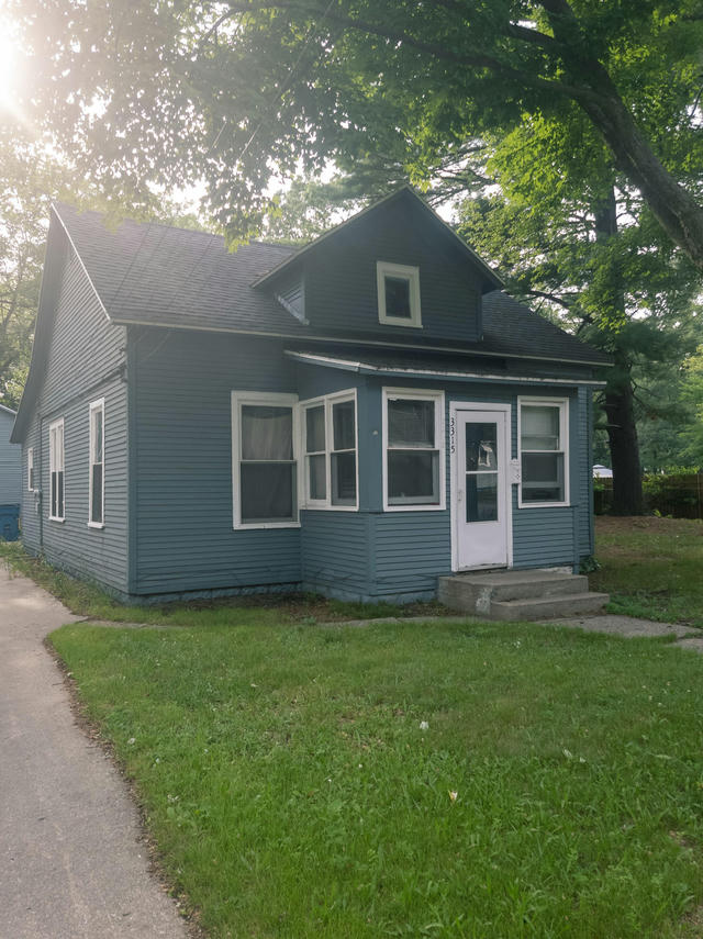 3315 8th St Muskegon Heights, MI 49444