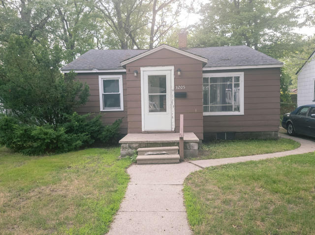 3205 9th St Muskegon Heights, MI 49444