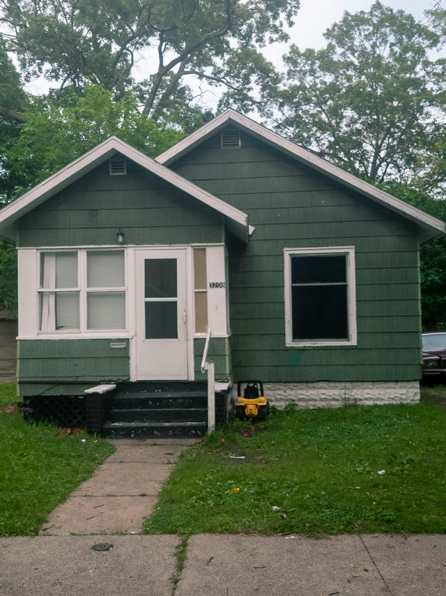 3208 6th St Muskegon Heights, MI 49444
