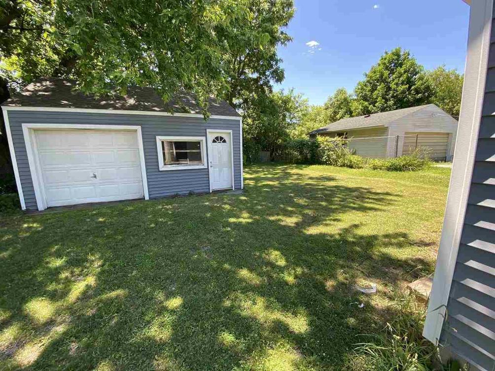 657 Oakhill Ave Jackson, MI 49203