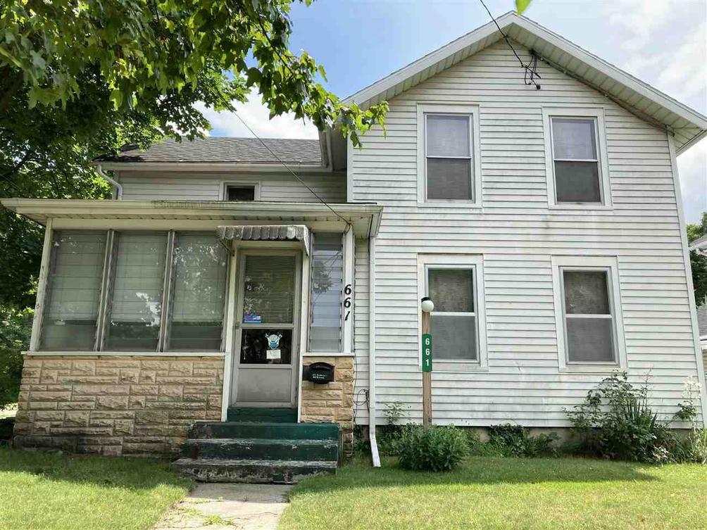 661 Oakhill Ave Jackson, MI 49201