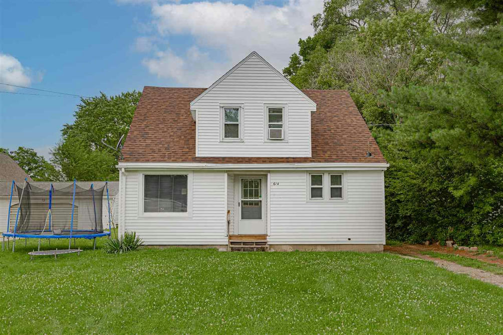 614 Longfellow Ave Jackson, MI 49202