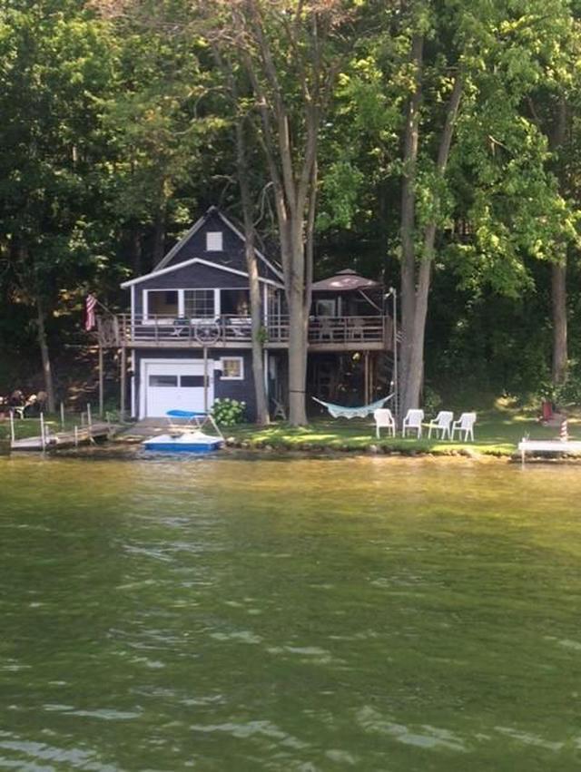 551 Lake Dr Six Lakes, MI 48886