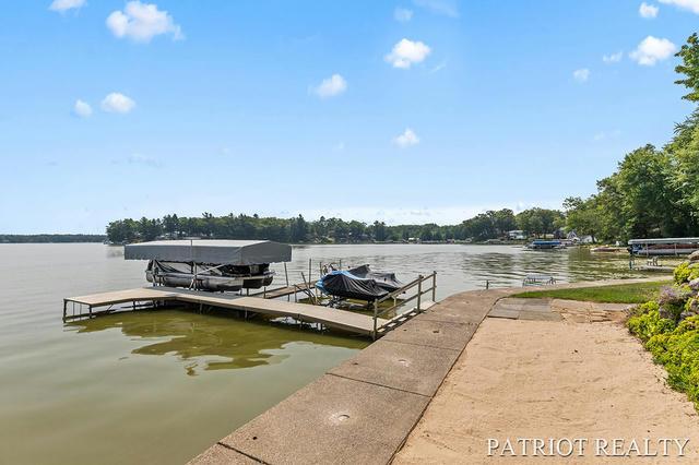 1149 E Hess Lake Dr Grant, MI 49327