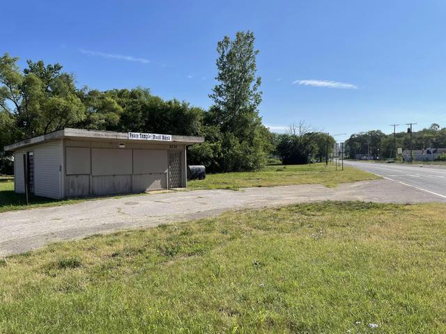 2121 Red Arrow Highway Benton Harbor, MI 49022