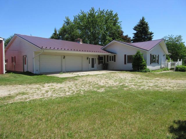 7556 Musson Rd Six Lakes, MI 48886