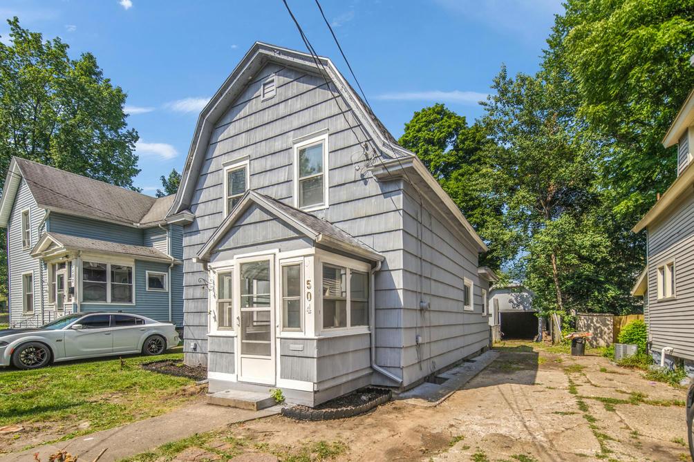 504 Seymour Ave Jackson, MI 49202