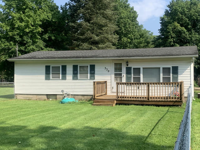 330 W Burr Oak St Centreville, MI 49032