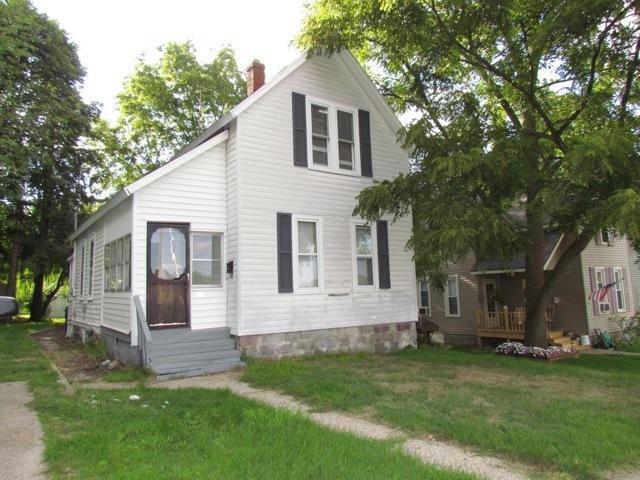 121 Houseman Ne Ave Grand Rapids, MI 49503